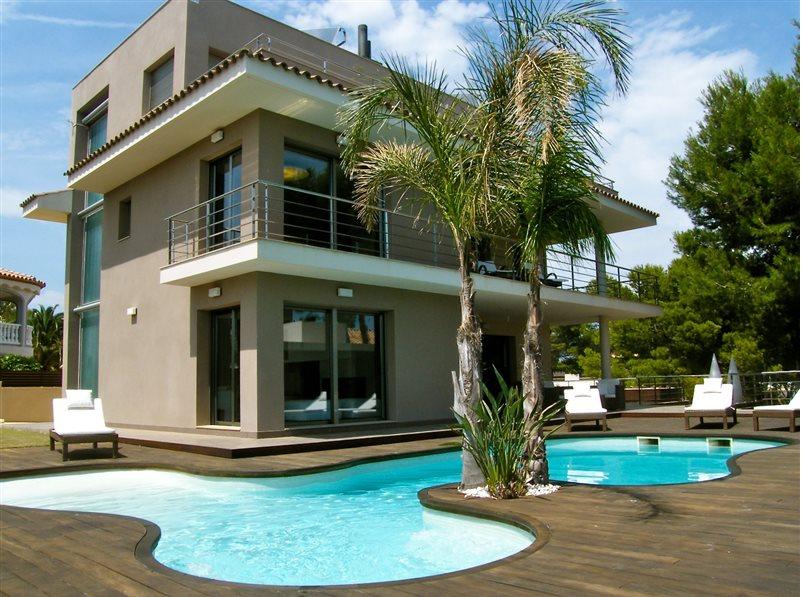 Купить дом на берегу в испании